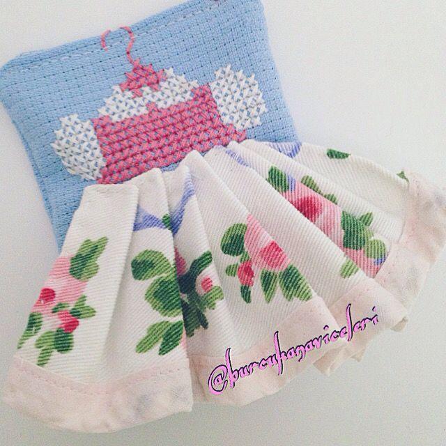 Little Pretty Dress Cross Stitch