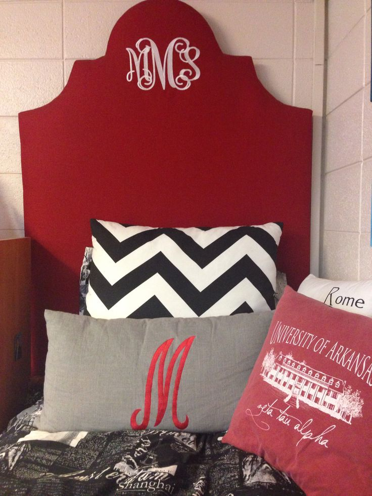 DIY Monogrammed Headboard. Cheap, Very Cute Way To Decorate Your Dorm Room!  REMEMBER Part 79