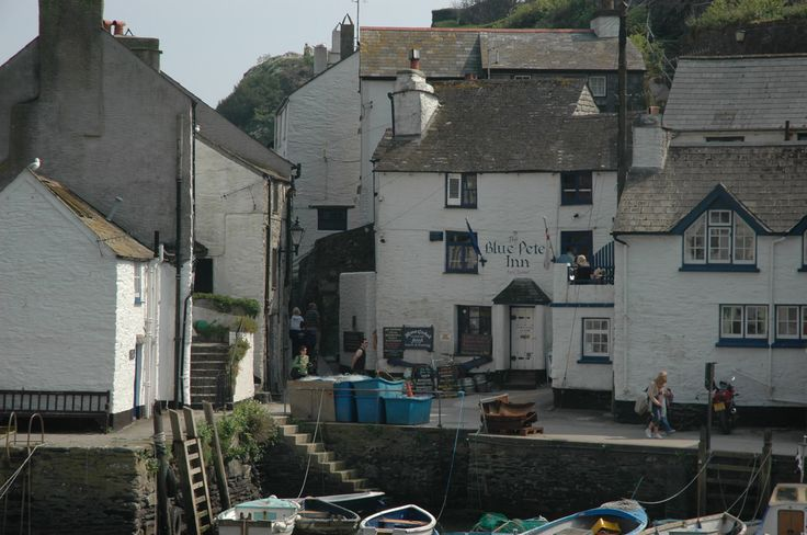 Friendly pub overlooking pretty harbour, with fishing paraphernalia, paintings by local artists and carefully prepared food.