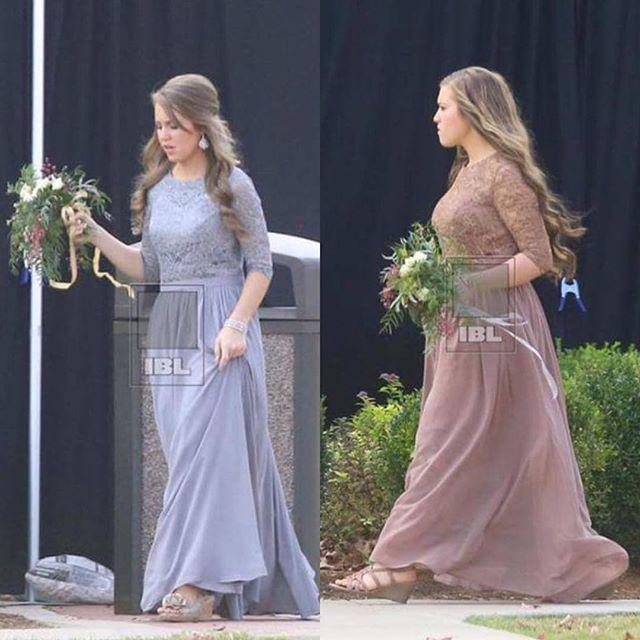 Jessa duggar wedding dress color