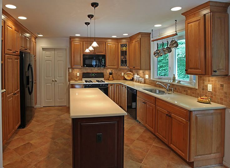 Kitchen Remodeling Contractor In Chicago Suburbs Il Cooking In A Small Outdated Kitchen Can Cause Your Family Daily Struggles