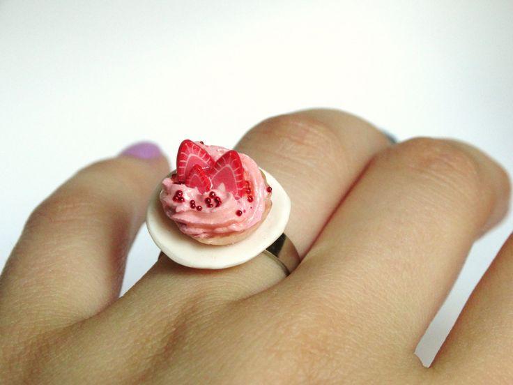 strawberry tarte ! von LolaWhoCharms auf Etsy