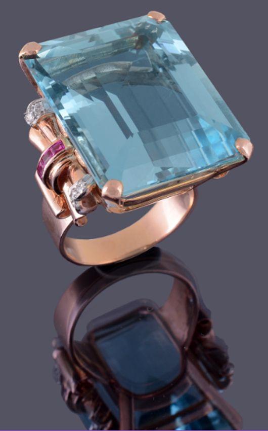 Aquamarine ring by New York jeweler Seaman Schepps, 1949. Estimate: £5,000-8,000 ($8,065-12,900). Dreweatts & Bloomsbury Auctions image