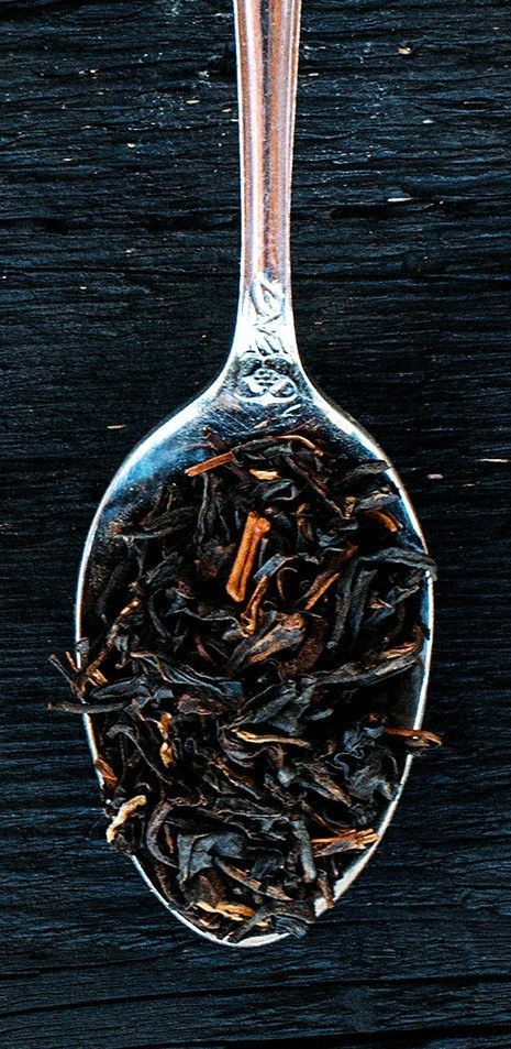 Flowering Orange Pekoe. A black Indian tea that is rich and robust with strong aroma. The citrusy, medium bodied flavor compliments well with milk and sugar. 3 oz.