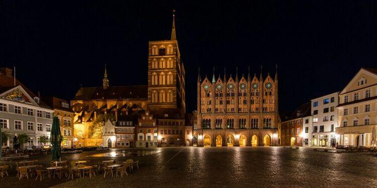 Stralsund bei Nacht