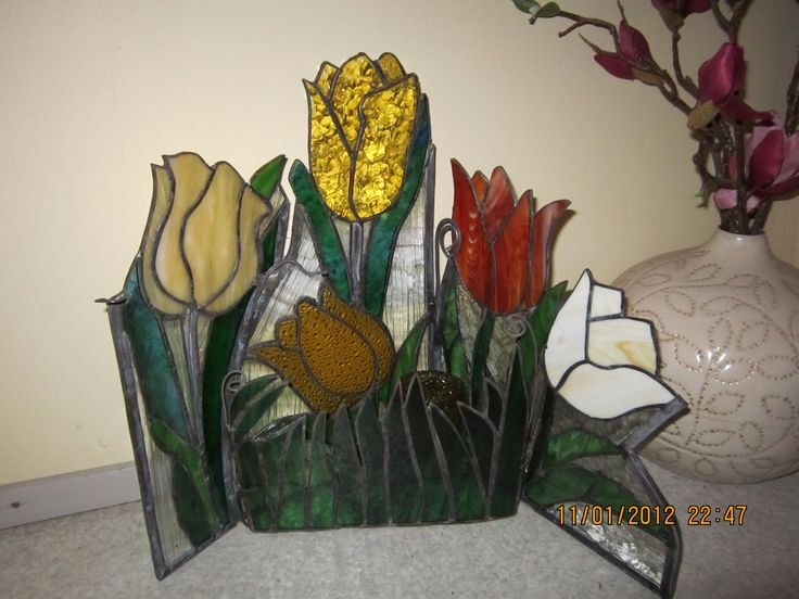 Floordecoration - tulips made by glass (can use as a lantern)