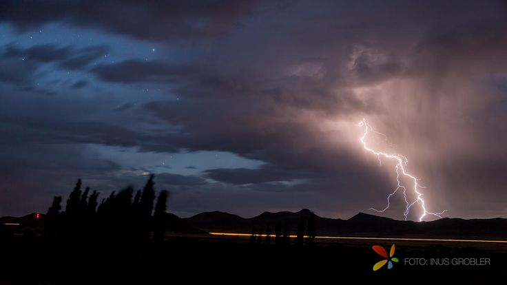Photographing lightning can be very dangerous but very simple and requires little skill. The easiest way ...
