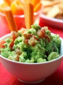 Mama's Homemade Guacamole Recipe. Mild. Easy. Full of Flavor! #Avocados #Guacamole