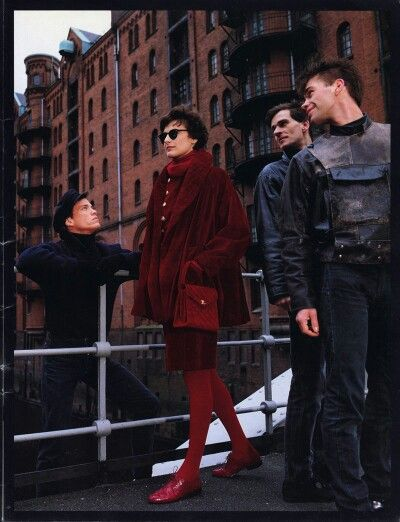Designer & Photographer : Karl Lagerfeld for Chanel Catalog : Automne/Hiver 1989 - 1990