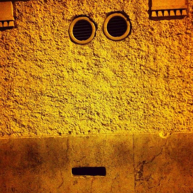 D'oh! #iseethings #facesinplaces #facehunter #wall #pareidolia #rome #lookslike #Homer #Simpsons #iseethingsthatotherdont