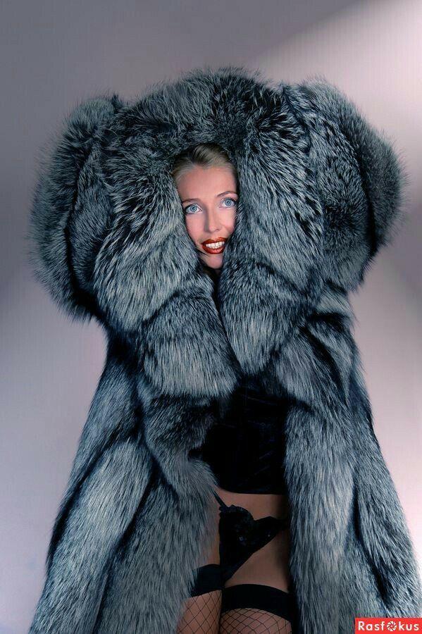 Silver fox fur coat | FUR 2 | Fur, Fox fur coat e Fur Coat