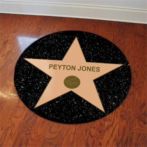 Have a party worthy of celebrity status with our Hollywood Star Party Supplies! Both fun and easy, you can create a custom look with these famed decorations by personalizing the center of each Hollywood star with a name or custom line to the already amazing items.