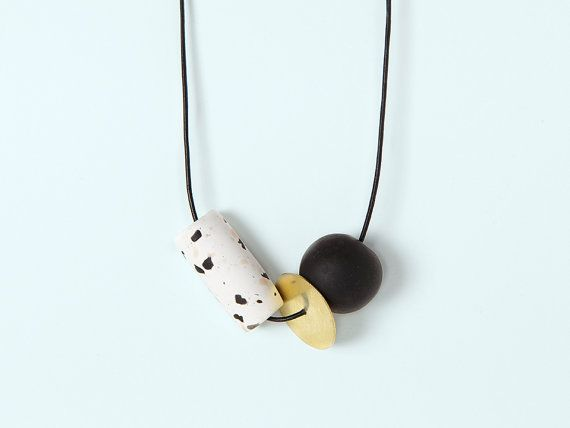 Materia#06 - Black and white necklace by Depeapa
