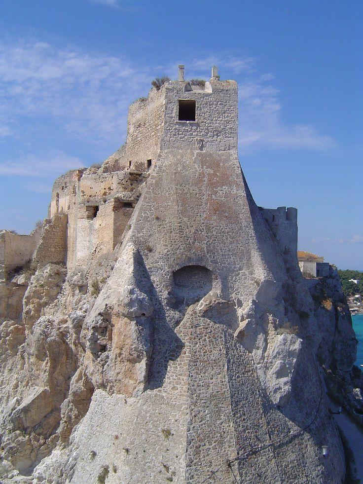 Isole Tremiti - Isola S.Nicola - Retro della chiesa-abbazia di Santa Maria a Mare   Flickr - Photo Sharing!