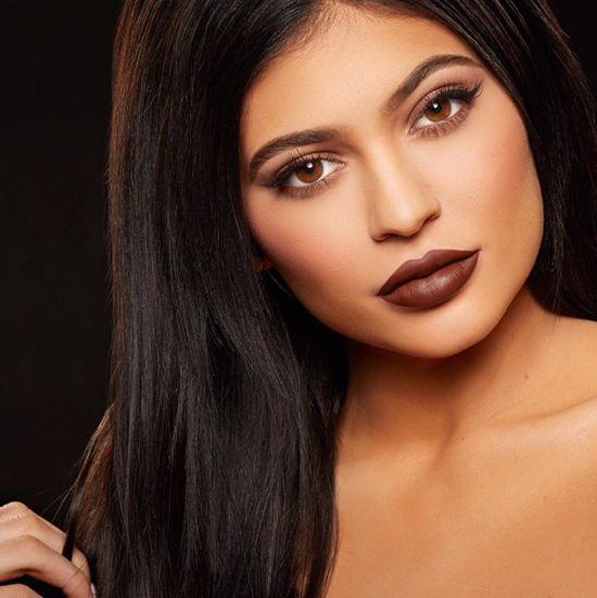 El mundo quiere los labios de Kylie Jenner.