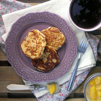 Oatcakes with Peach-Vanilla Compote / Tortitas de Avena con Compota de Melocotón | honey & figs