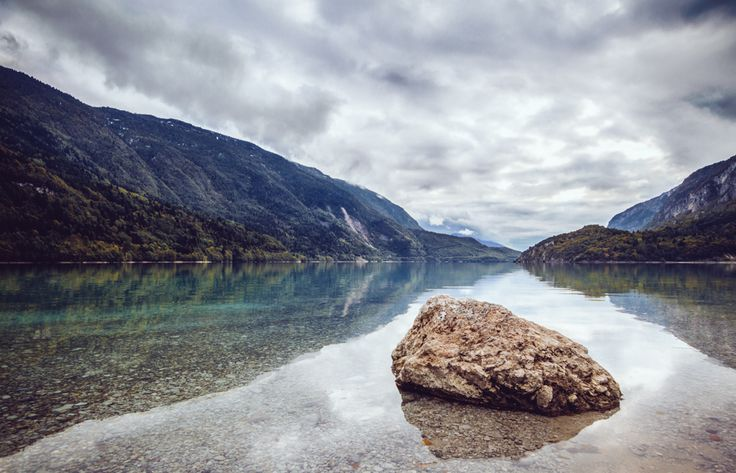 Molveno Lake - Trentino Alto Adige - www.andrealivieriphoto.com #landscape #lake #lago #montagna #paesaggio #landscapes #molveno #trentino #alto #adige #trentinoaltoadige #fotografia #photography #rock #roccia #autumn #autunno #inverno #winter #vsco #nature #natura #canon #7d #sigma #andrealivieri #water #acqua