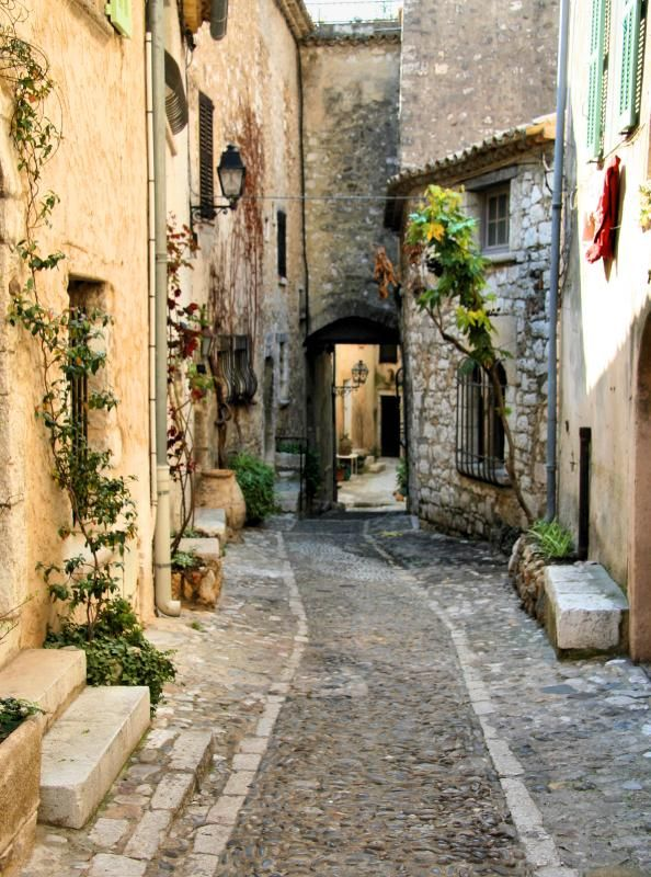 11 Best Places to Visit in the South of France