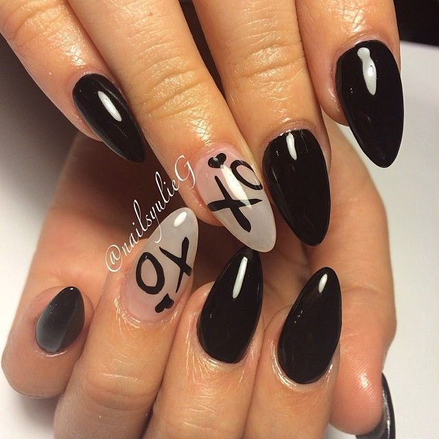The Weekend :: The Weeknd Black XO Almond Nails @nailsyulieg
