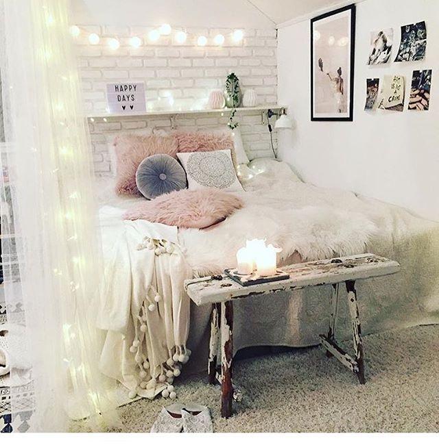 [ιиѕριяαтισи]  Säger GOᗪ ᑎᗩTT med ännu ett konto ur min #blabarsudden8000  ᑎᖇ.8 ᑕᖇEᗪ @decoricasa  Sara som som jag personligen har haft äran att få träffat, är helt otroligt grym på inredning ✨ Hennes hem är magiskt fint✨ Älskar hennes härligt stora sovrum ✨in ni med å scrolla runt bland härlig inspo och helgo tjej  #onetofollow #gofollow #notmypic #inteminbild #interior4all #finahem #inspiration