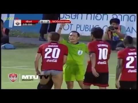 15 Hukuman Kartu Merah Lucu dan Konyol dalam Sepak bola