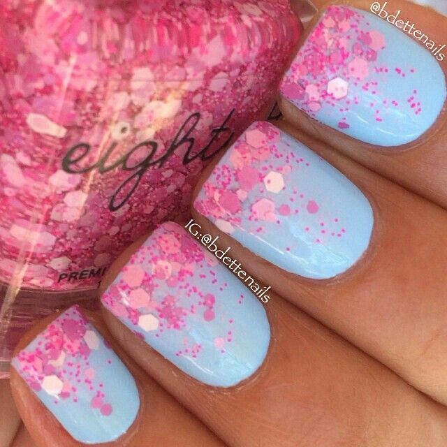 """Here is a glitterbomb gradient using """"Love Dust"""" (pink glitterbomb) over """"Powder Puff"""" (sky blue creme) by @shopeighty4"""