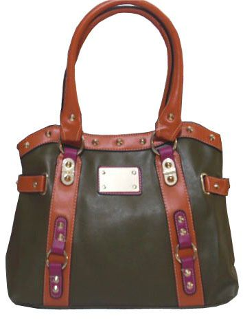 Dark green bag with metalic ornaments and fouxia details_fashion woman accessories.