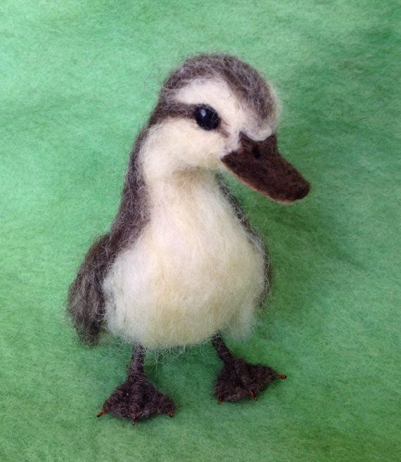 Needle Felted Duckling brown and yellow von ClaudiaMarieFelt, $80.00