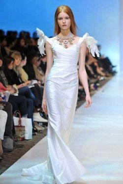 PAT McDONAGH COUTURE > http://fashionarttoronto.ca/2012/03/10/pat-mcdonagh-couture-the-consortium-maria-manceva-dolly-sophie-patricia-kowalski-albert-yuen/