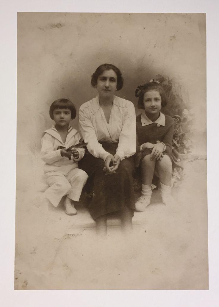 Fahrelnisa Zeid-Füreya-anneleri Hakkıye Hanımefendi