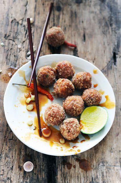 Dorian cuisine.com Mais pourquoi est-ce que je vous raconte ça... : Petites considérations cochonesques et chipoboulettes à l'asiatique à la sauce de queue de dragon passionnée !