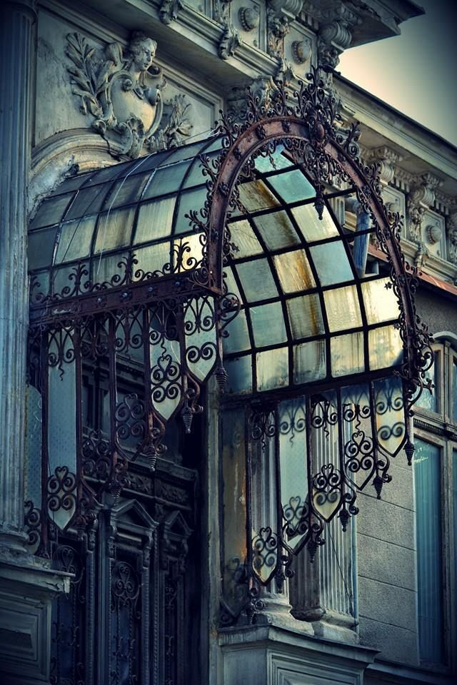 This Ivy House  - gatsbywise:   Nicely designed iron and glass entry...