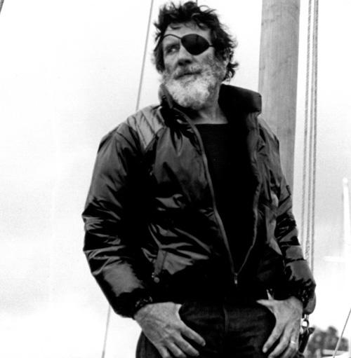 jack o'neill - coolest man alive rockin that jacket like a boss