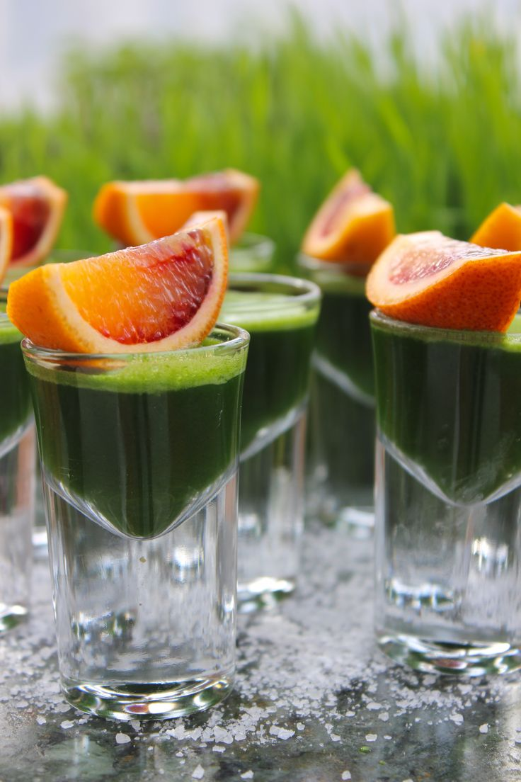 The snack break during yesterday's un-cooking demo. Alkalising Wheatgrass shots! Sunshine in a glass...