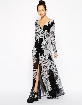 Glamorous Plunge Neck Maxi Dress in Floral Print