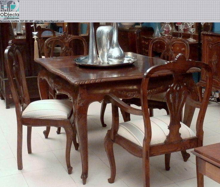 Mesa, 6 cadeiras e 2 cadeirões antigos, em madeira maciça.....tb temos, o aparador e o aparador cristaleira, para quem quiser... https://www.facebook.com/objecta.segunda.mao/photos/a.502677349868970.1073741830.501864669950238/619341368202567/?type=3&theater