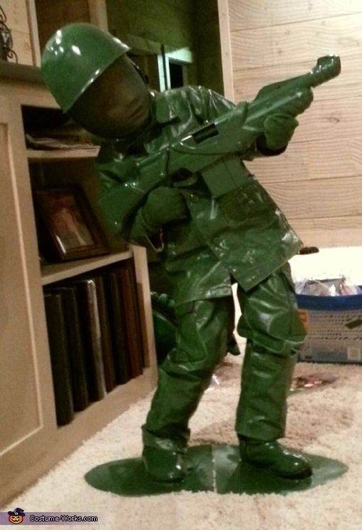 This would be cool if you were passing out candy. To have your child in the yard and scare people when they came up! LOVE IT! DIY Toy Soldier Costume - 2013 Halloween Costume Contest