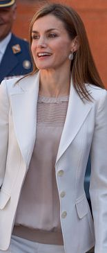 Dusty pink silk yoke blouse (unidentified but it could be Adolfo Dominguez). Debuted Apr 2015