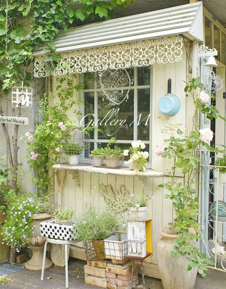 A lovely view of a masterpiece! Perfect garden shed!pin