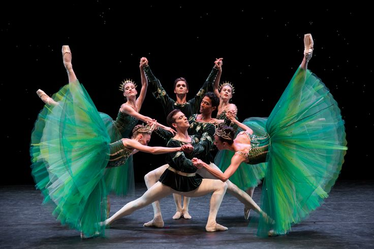Pacific Northwest Ballet, Company dancers in Emeralds, photo © Angela Sterling.