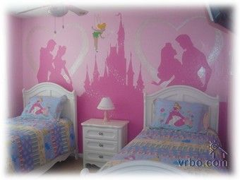 Princess bedroom I wish I could paint lily's walls like this