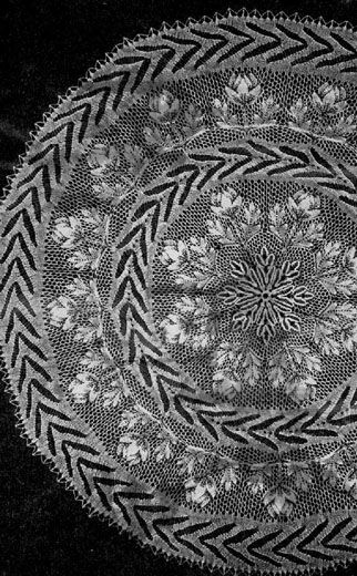 O. M. G. I think I found the niebling I am gonna make.   French Niebling - Round Tablecloth In Knitted Lace By Herbert Niebling - PDF - US Letter Paper Size