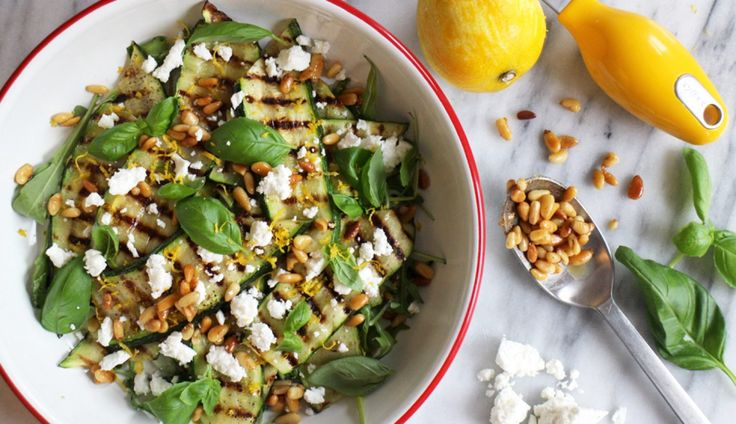 Deze salade is heerlijk fris en perfect als bijgerecht. Leg er een visje of stukje kip…