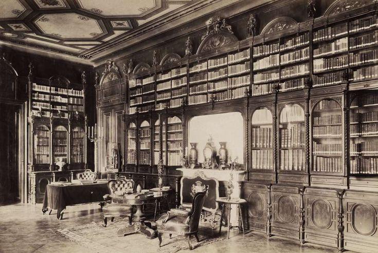 Krisztina körút 55., a Karátsonyi-palota (lebontották) könyvtára. A felvétel 1895-1899 között készült. A kép forrását kérjük így adja meg: Fortepan / Budapest Főváros Levéltára. Levéltári jelzet: HU.BFL.XV.19.d.1.11.072