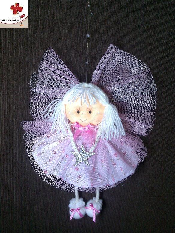 Jazmín chica en rosa, con vestido y alas en tul