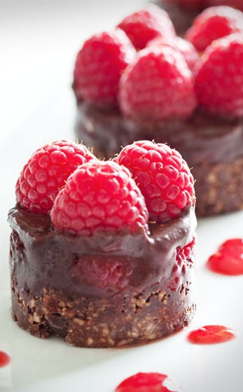 Raw Chocolate Cake with Raspberries