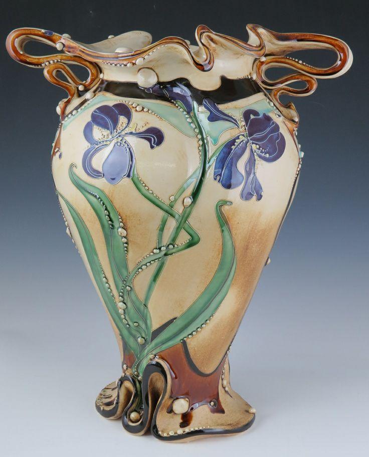 vase c ramique iris carol long pottery contemporain carol long pinterest vase. Black Bedroom Furniture Sets. Home Design Ideas