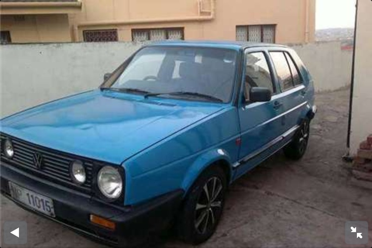 1990 VW Golf 1.6 resprayed metallic blue by yours truly.