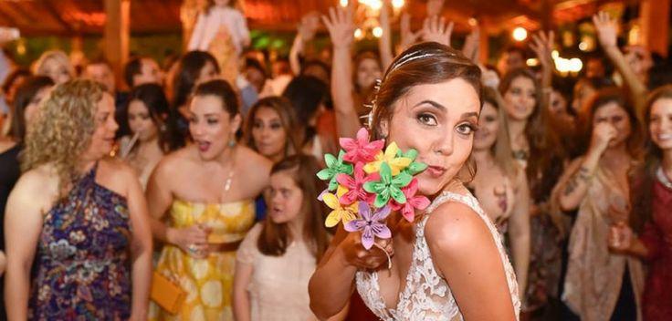 Músicas para casamento: 13 hits divertidos para a hora de jogar o buquê