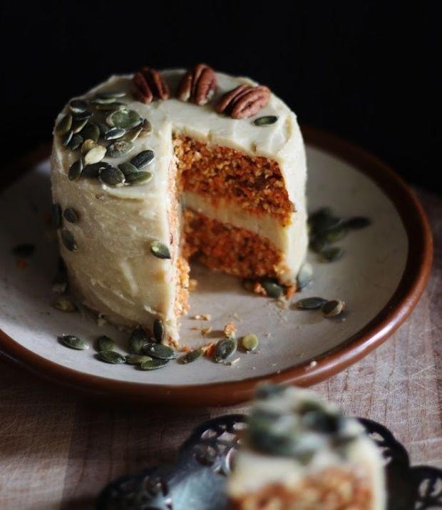 Elvarázsol ez az egyszerűségében fantasztikus könnyű desszert!  Minden morzsája vigyáz az egészségedre, még a citromos máz is diétás a t...
